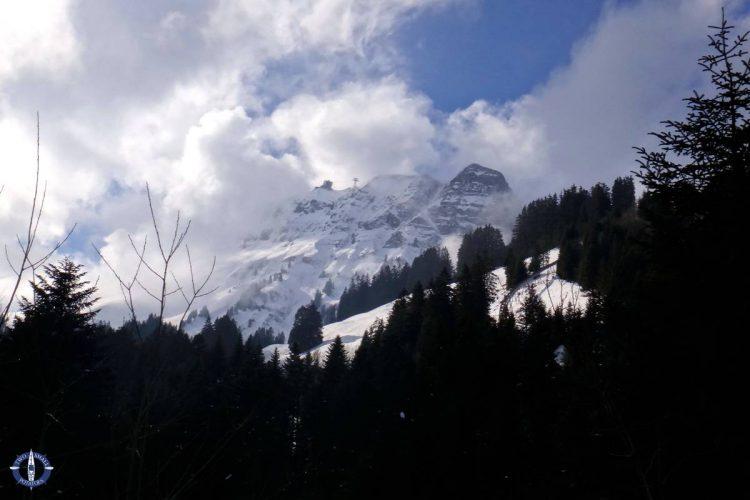 Moleson peak from the parking lot below