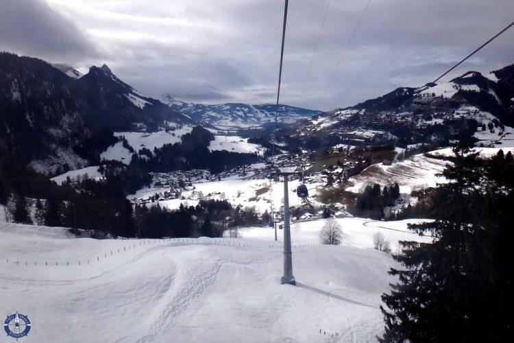 Gondola ride from Charmey to the Vounetz summit to go skiing in Switzerland