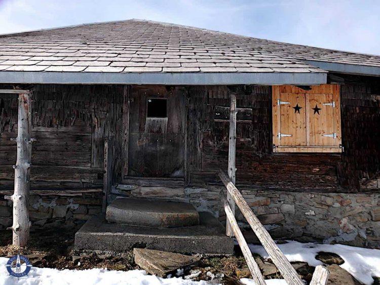Fillistorfena hut snowshoeing in Switzerland