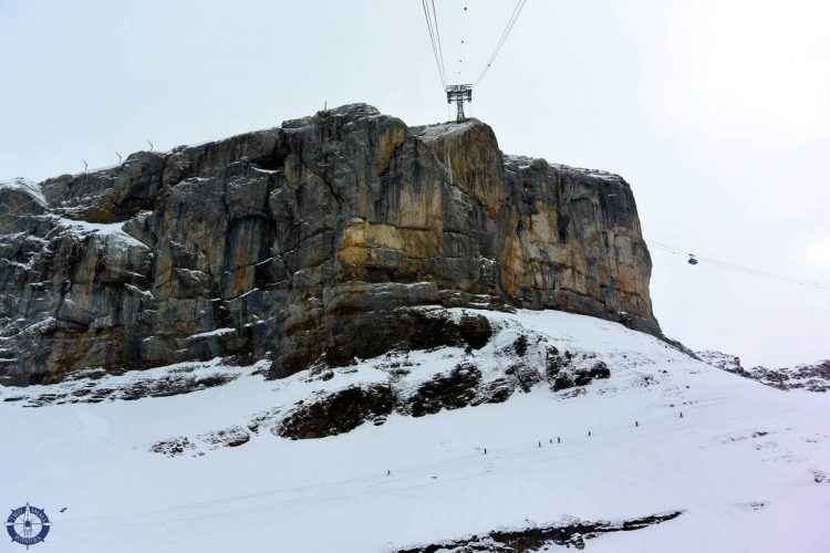 Glacier 3000 cable car from Col du Pillon