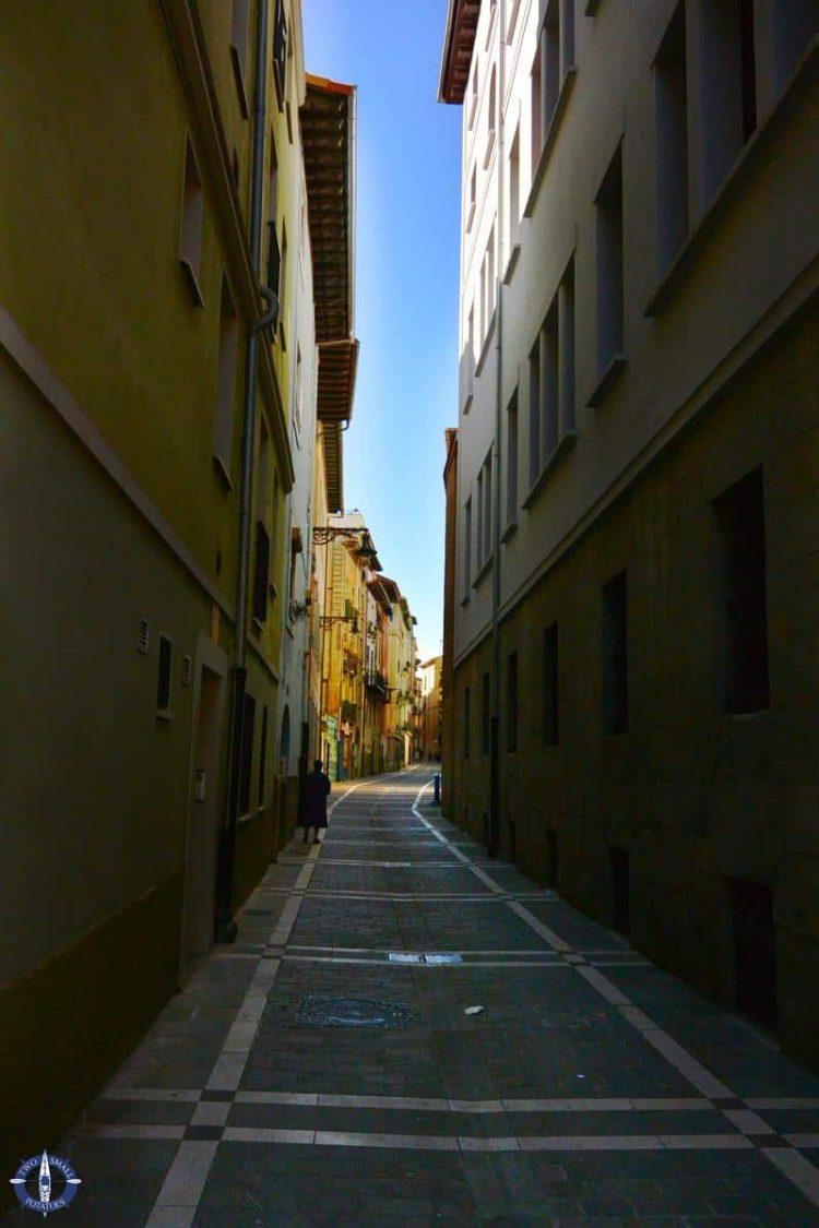 Calle Dormitaleria in Pamplona, Spain