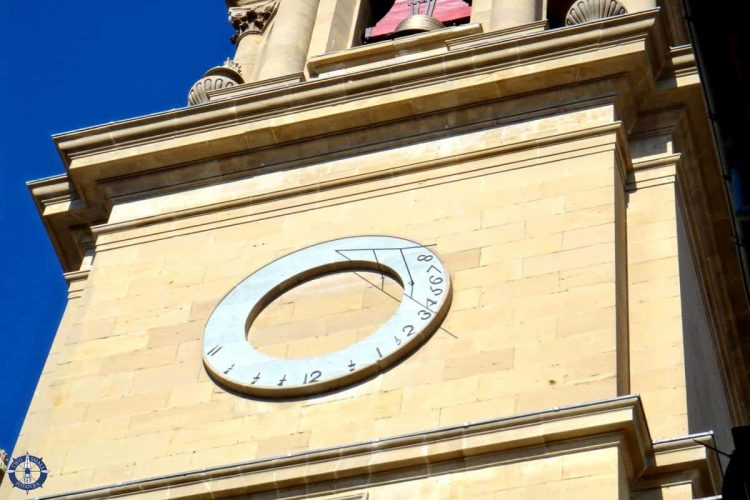 Sundial on a cathedral in Pamplona