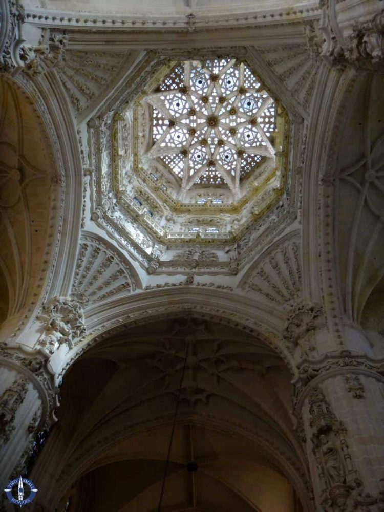 Star ceiling and cupola of Burgos Cathedral's main chapel