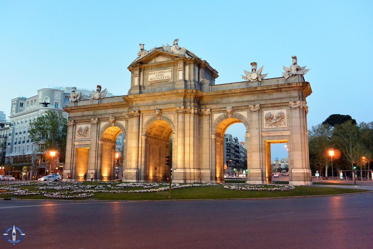 Puerta de Alcala gate in Madrid, Spain