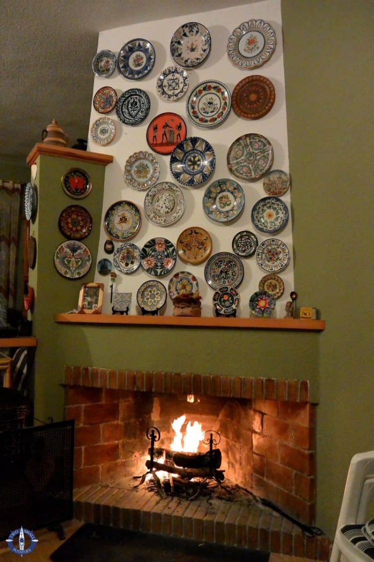 Traditional decorative plates in a summer home in Collado Mediano, Spain
