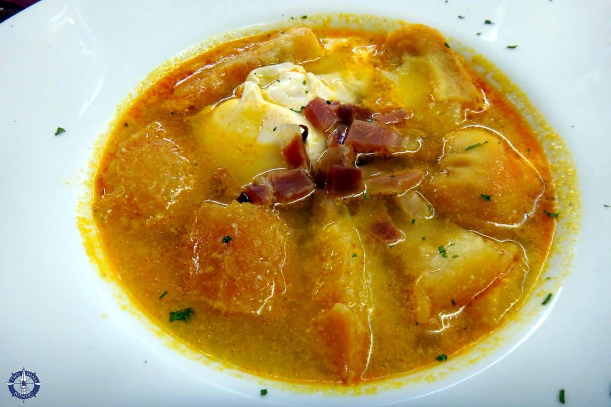 Fava bean soup at La Bodega del Barbero, Segovia