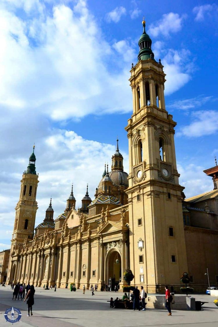 Blue skies above the Basilica of Our Lady of the Pillar, Zaragoza