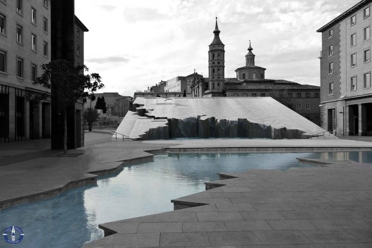 Fountain of Hispanicity, one of the best places to visit in Zaragoza