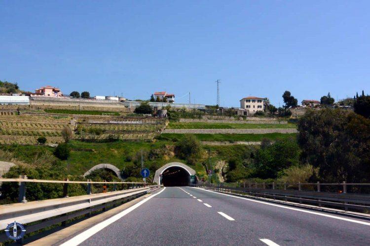 Free tunnels in the Italian Riviera