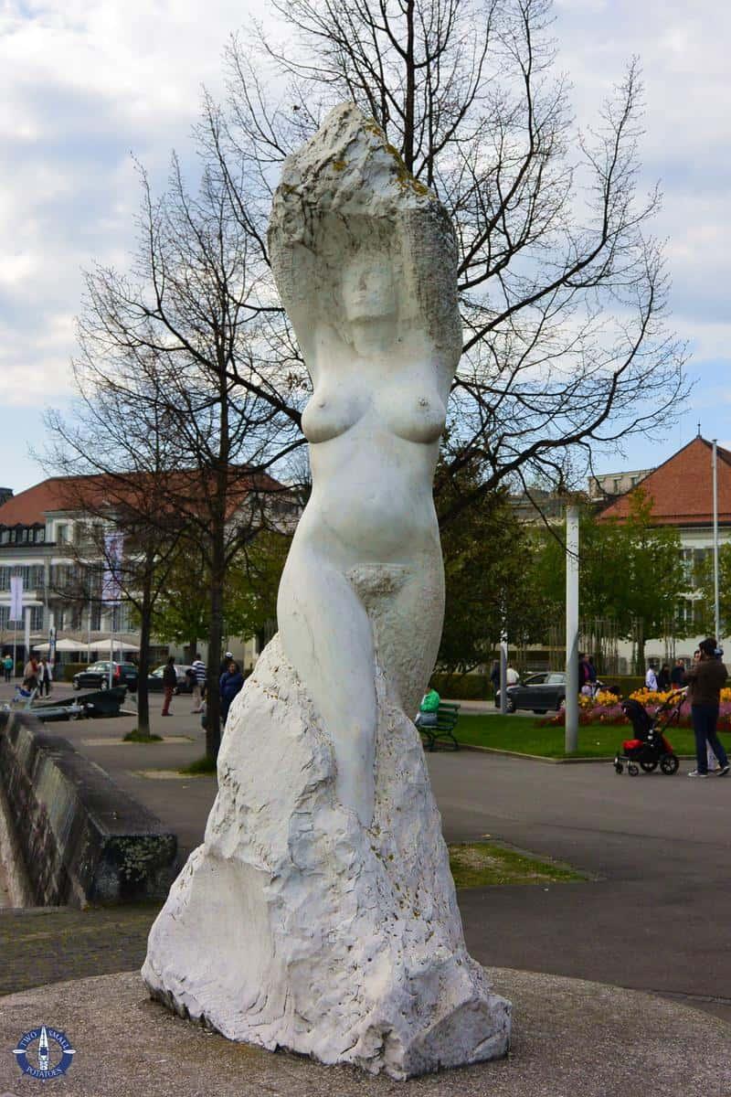 Nude statue on the Quai de Belgique in Lausanne, Switzerland