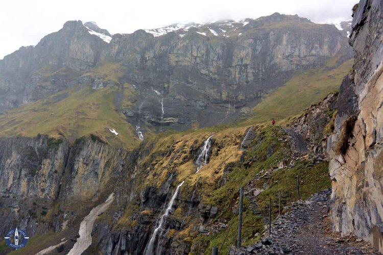 Trail from Unterbaergli to Oberbaergli hut, Switzerland