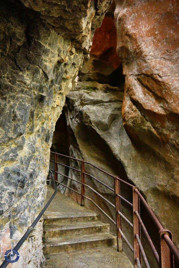 Corkscrew Falls trail in Lauterbrunnen Valley