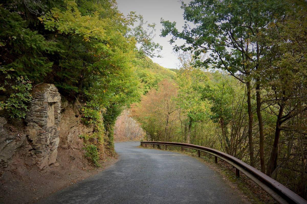 road to Eltz Castle