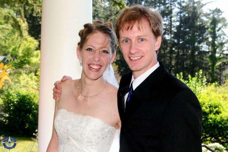 Wedding photo at Shore Acres State Park on the Oregon Coast